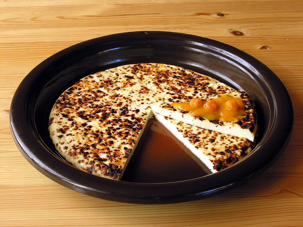 Leipajuusto cheese_with_cloudberry_jam
